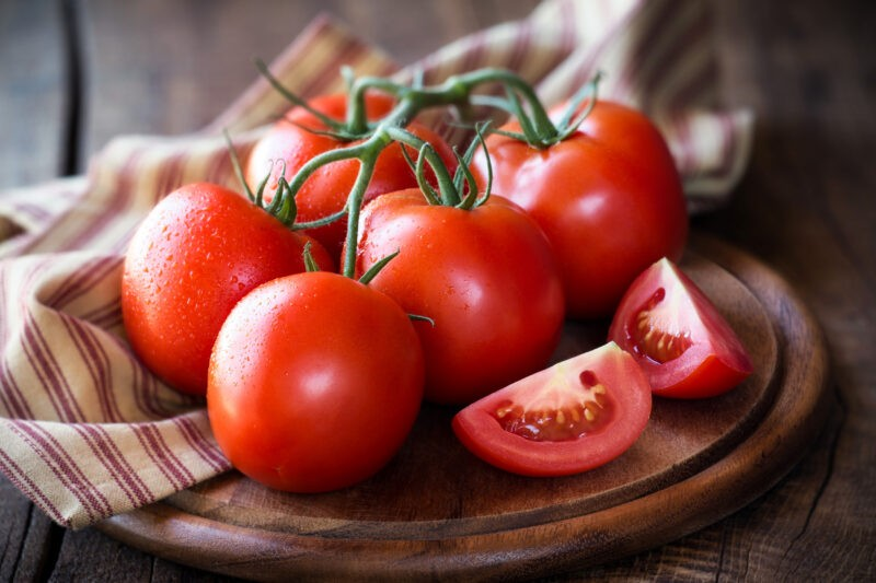 How Long Before a Plant Starts to Grow Tomatoes?