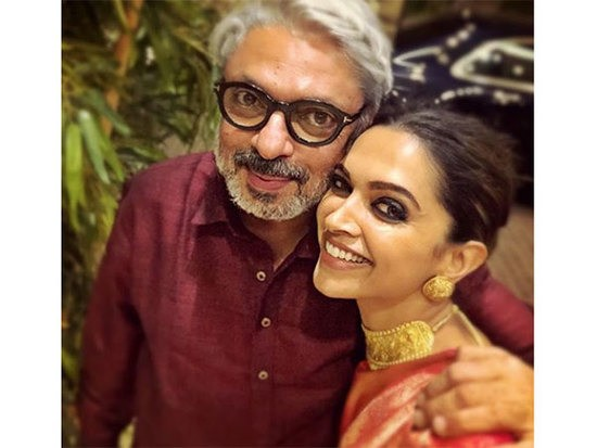 Padmaavat: Rs 500 for Deepika Padukone by Sanjay Leela Bhansali? | Bollywood News – India TV