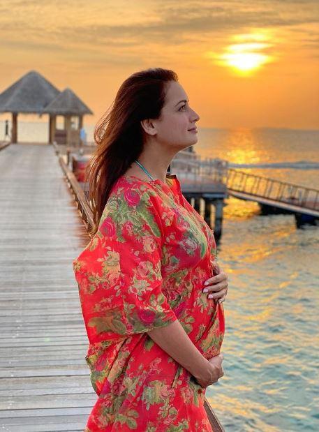 दीया मिर्जा ही नहीं शादी से पहले बॉलीवुड की कई अभिनेत्रियां थीं प्रेग्नेंट, जानें कौन-कौन है इस लिस्ट में शामिल
